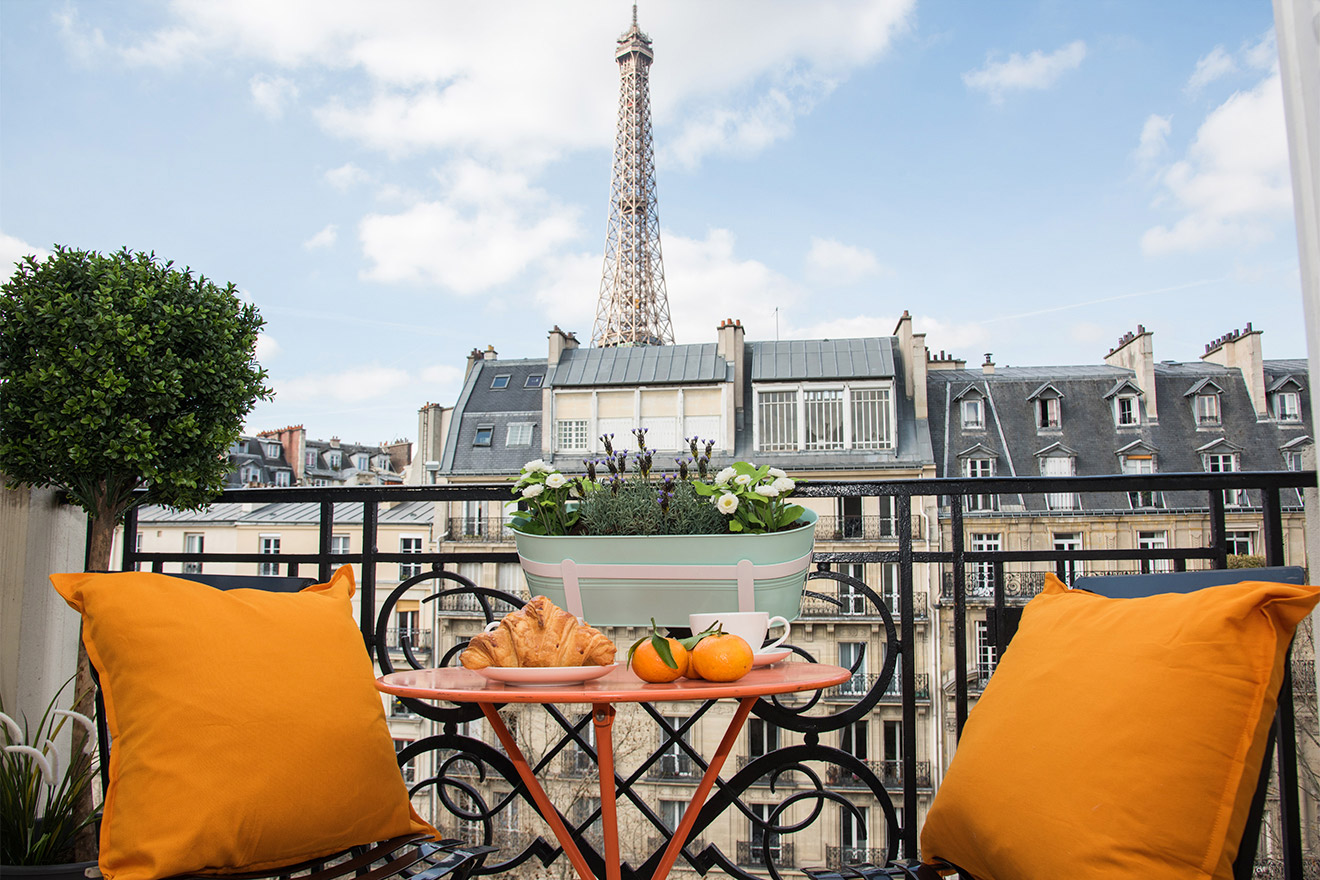 Book 1 Bedroom Romantic Paris Apartment Rental - Paris Perfect