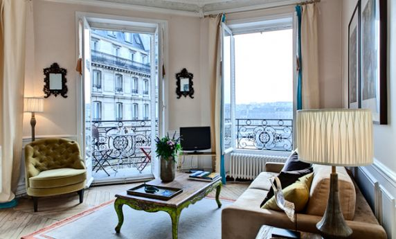 Bedroom paris apartment rental on saint louis island paris perfect