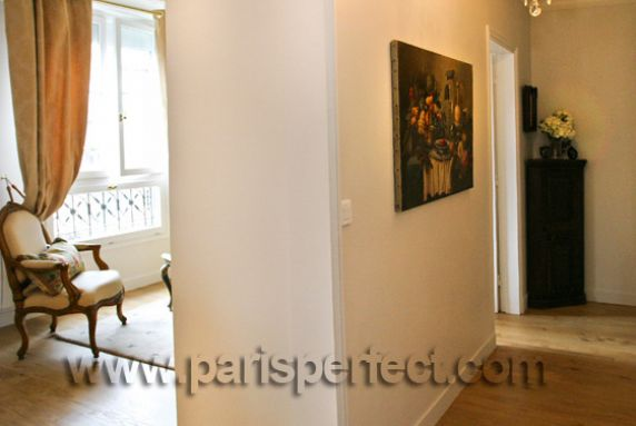 Hallway quincy apartment for Perfect kitchens quincy