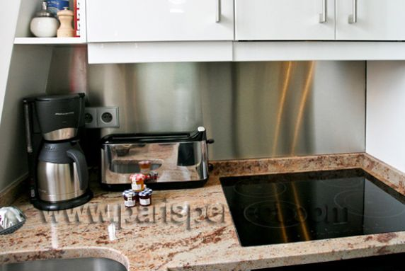 Fully equipped paris holiday rental kitchen for Perfect kitchens quincy