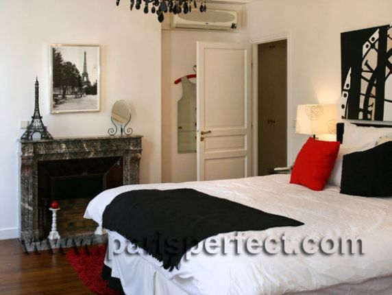 Three Bedroom Paris Vacation Apartment