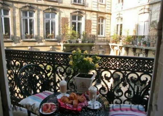 Book 2 Bedroom Marais Apartment Rental on the Right Bank ...