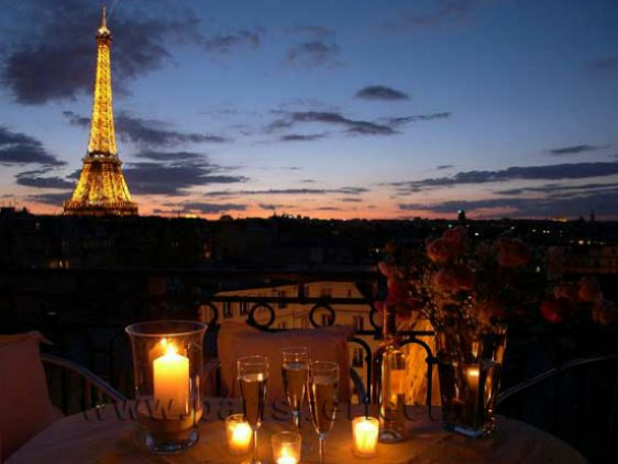 Find 2 Bedroom Accommodation Paris France Near The Seine