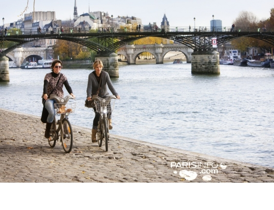 See the sights along the Seine on a bike ride