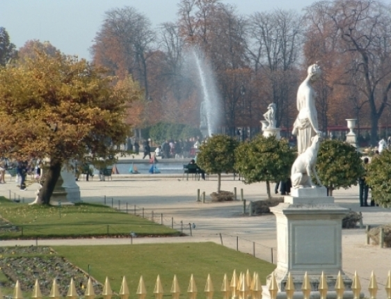 Leisurely stroll through the beautiful Tuileries Gardens