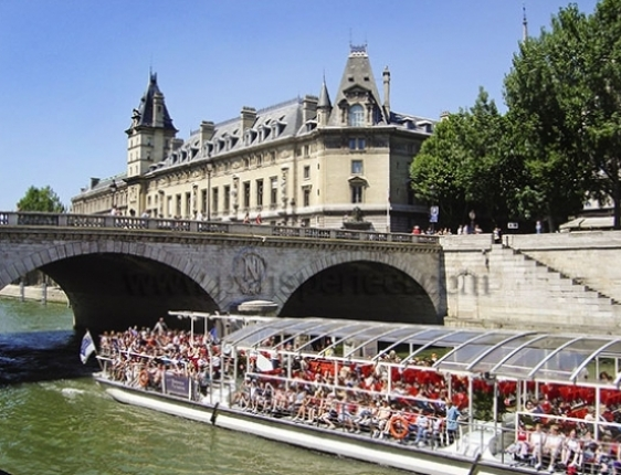 Enjoy a scenic boat cruise or dinner along the Seine