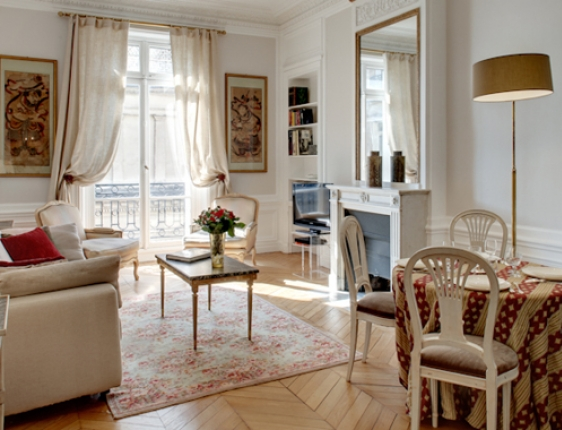 Me say the apartment is in a lovely part of paris we came to paris