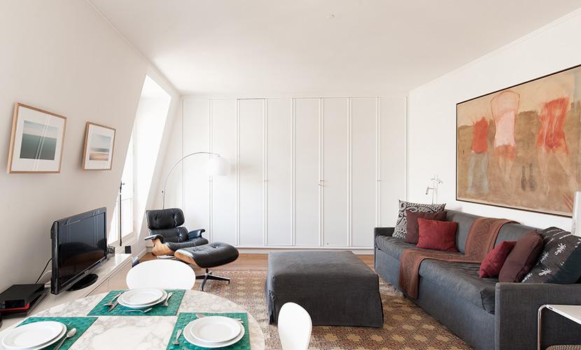 Floor to Ceiling Cupboards in Paris Rental