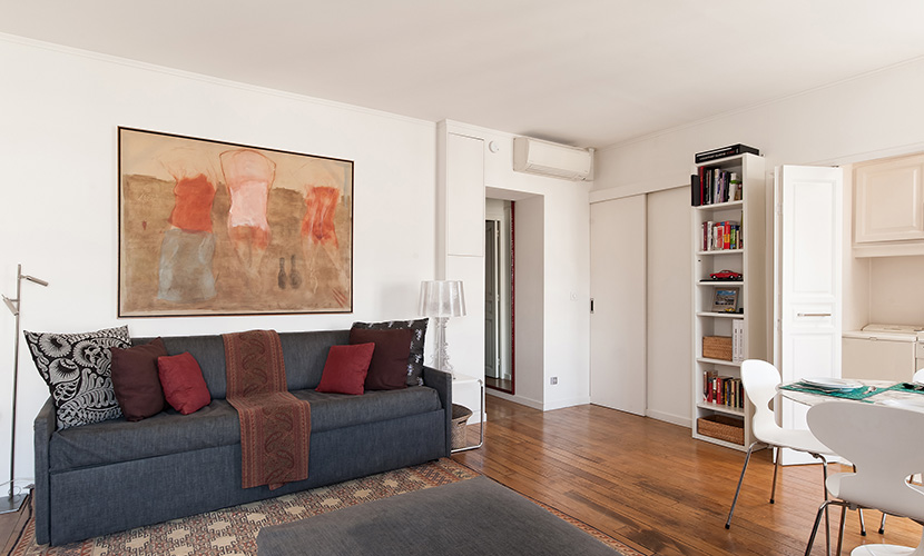 Pouilly Apartment Rental Living Room