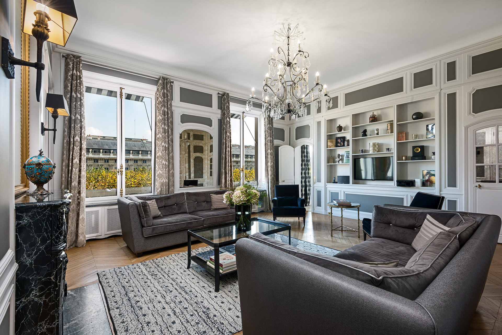 Exquisite décor in the living room of the Chopine vacation rental offered by Paris Perfect