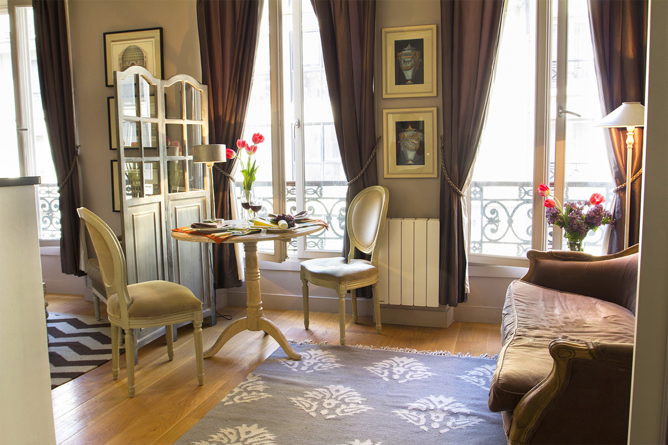 Studio Apartment Paris Living Area