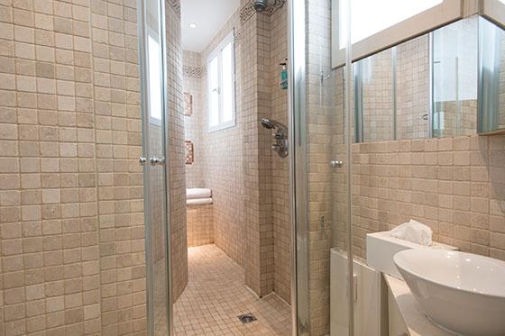 2 Bathroom Paris Apartment Rental