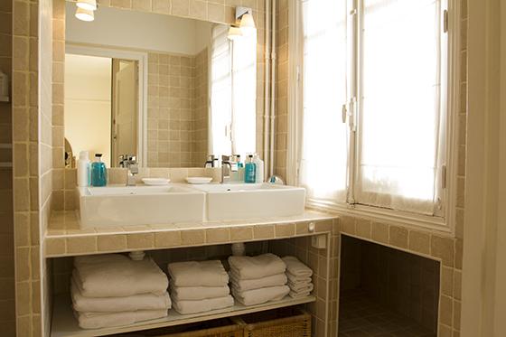 Bathroom - Furnished Paris Apartment