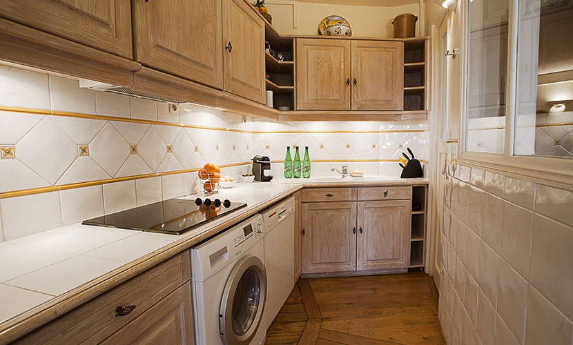 Fully Equipped Apartment Rental in Paris Kitchen