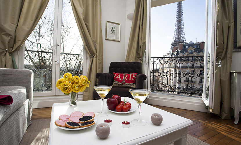 1 bedroom paris romantic hotel alternative near the for Hotel close to eiffel tower