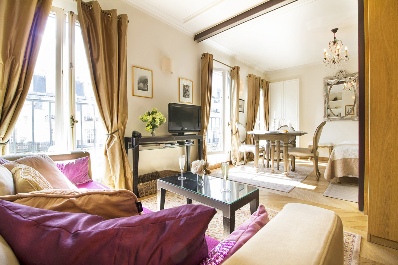 Richly appointed living area of the Chablis vacation rental offered by Paris Perfect