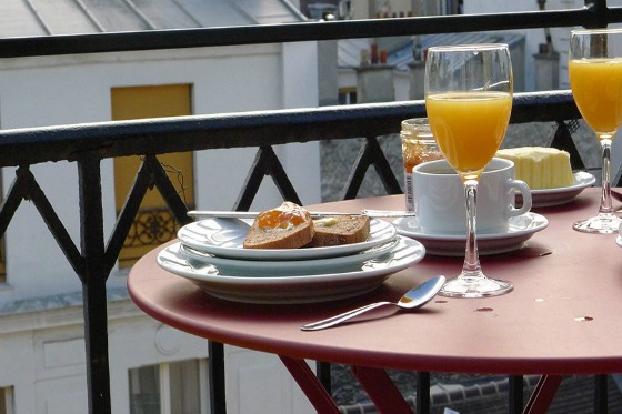 The balcony is the perfect spot for breakfast in the Saumur vacation rental offered by Paris Perfect