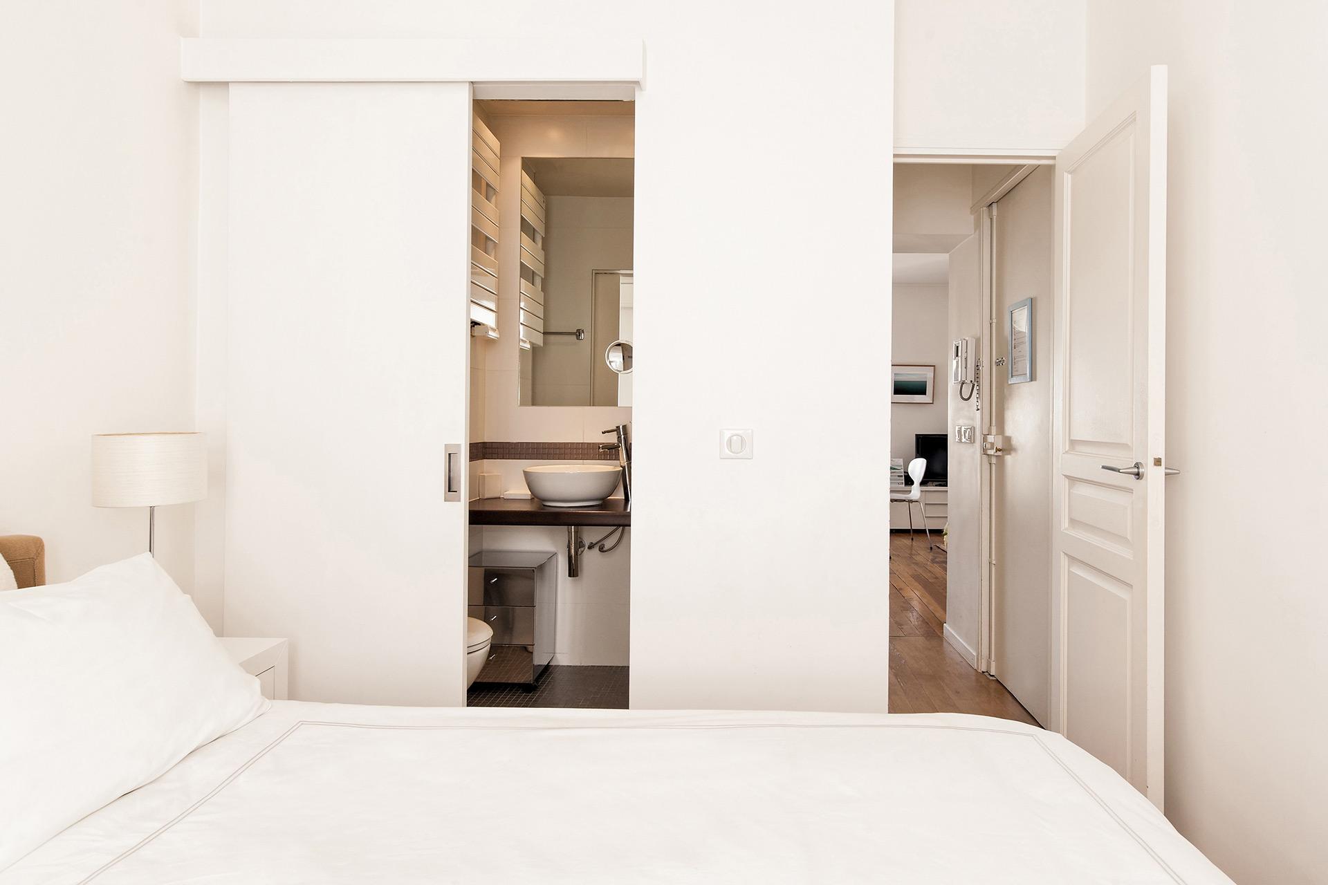 En Suite Bathrooms In Apartments: Find 1 Bedroom Apartment In Paris France