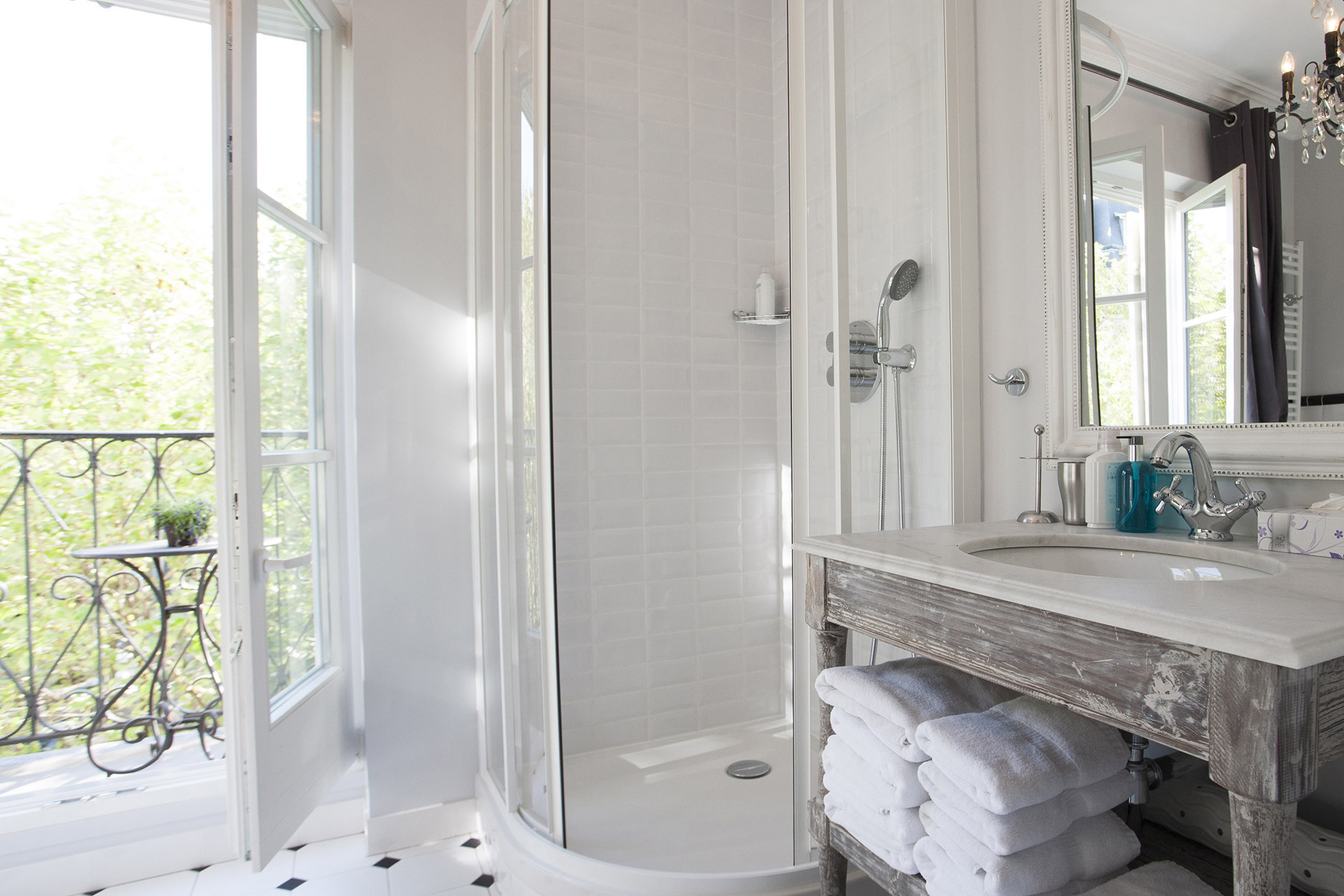 Large shower in the bathroom of the Chambertin vacation rental offered by Paris Perfect