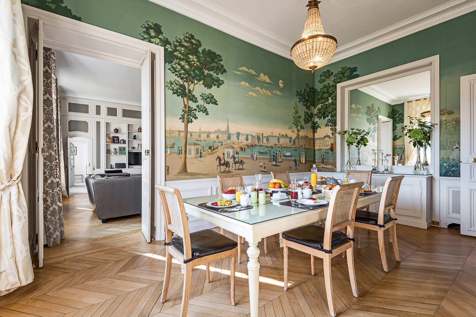 Plenty of space to host a dinner party in the Chopine vacation rental offered by Paris Perfect
