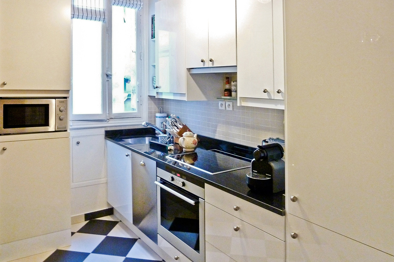 Paris Vacation Rental Kitchen