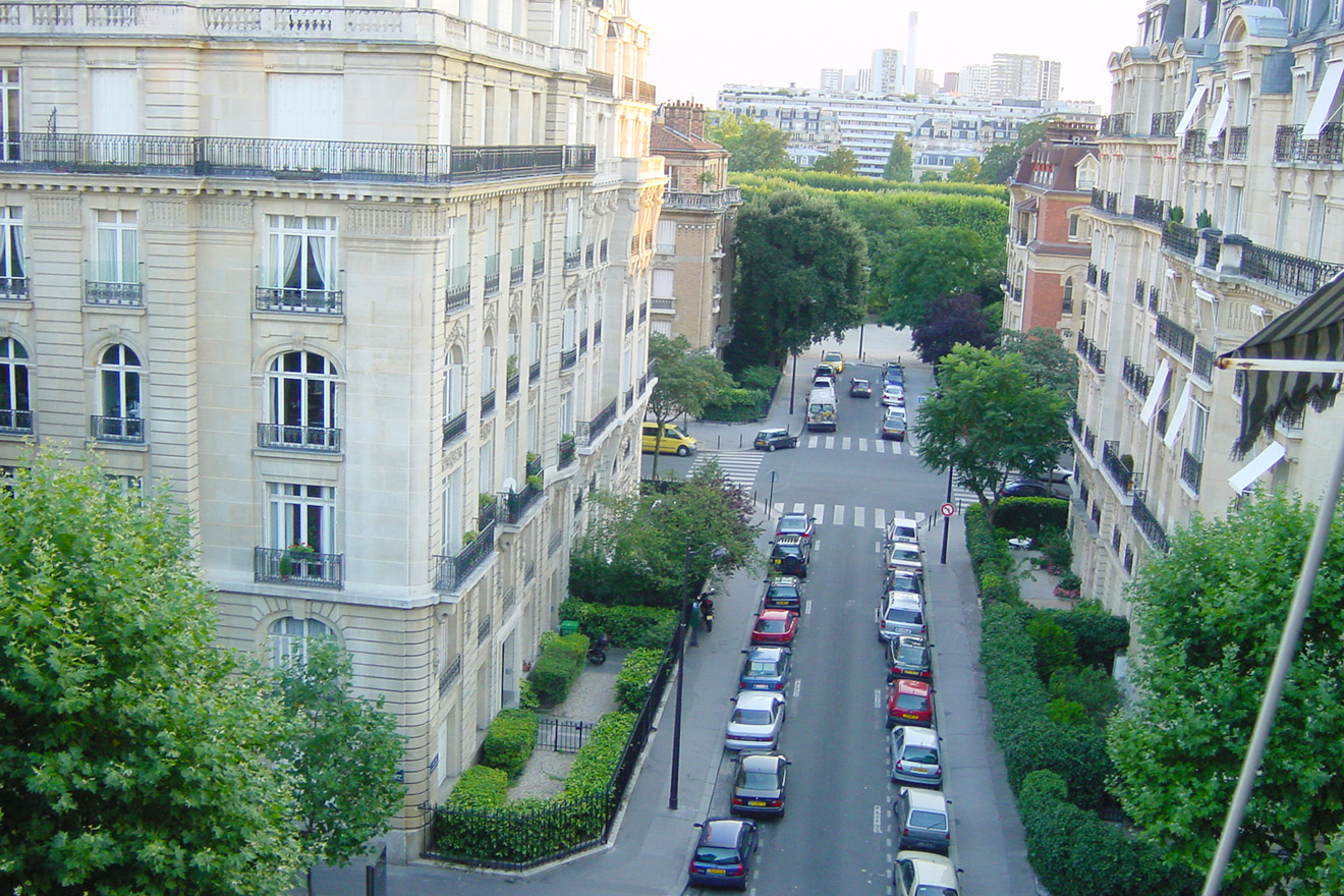 7th Arrondissement Neighborhood
