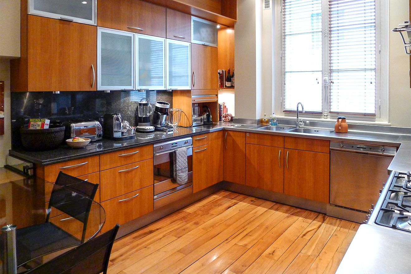 Gorgeous designer French kitchen in cherry wood
