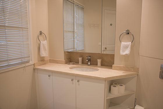 Bathroom - Saint Germain Apartments, Corton