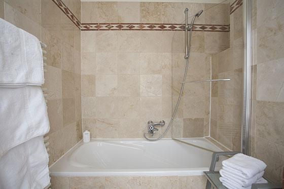 Bathtub-Shower