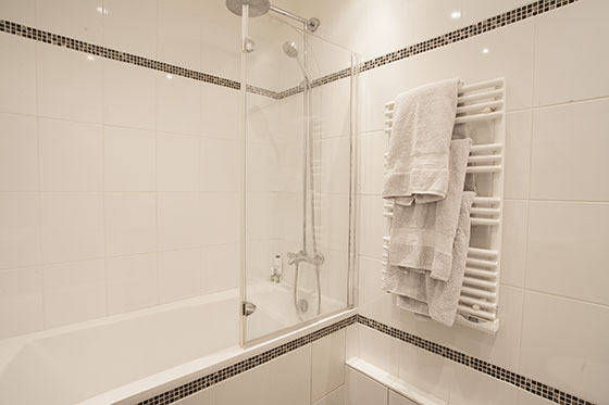 Heated Towel Rail in Paris Bathroom
