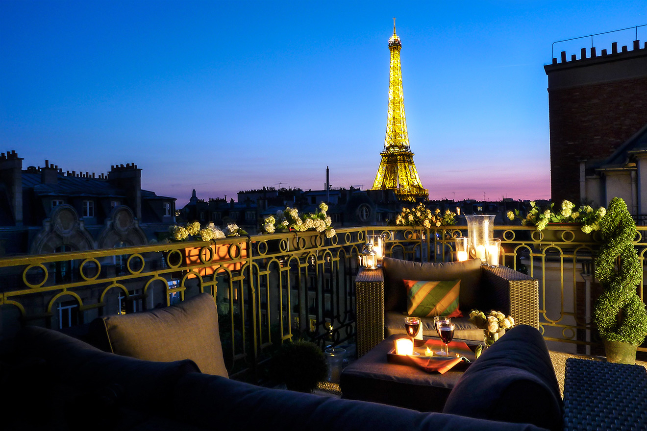 Eiffel Tower Apartment with Balcony