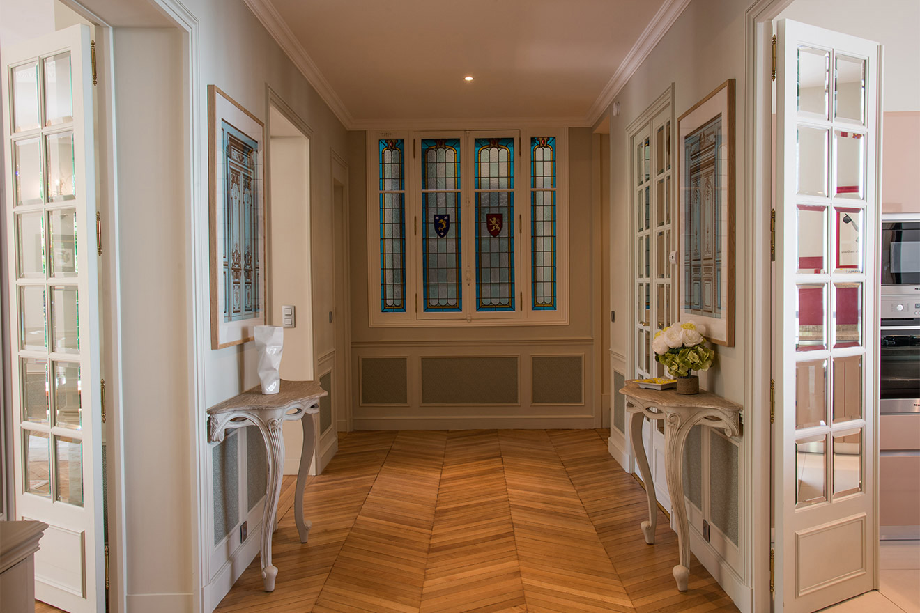 Stunning entryway of the Charmes Vacation Rental in Paris