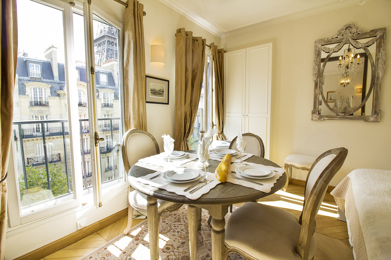 Beautiful dining table in the Chablis vacation rental offered by Paris Perfect