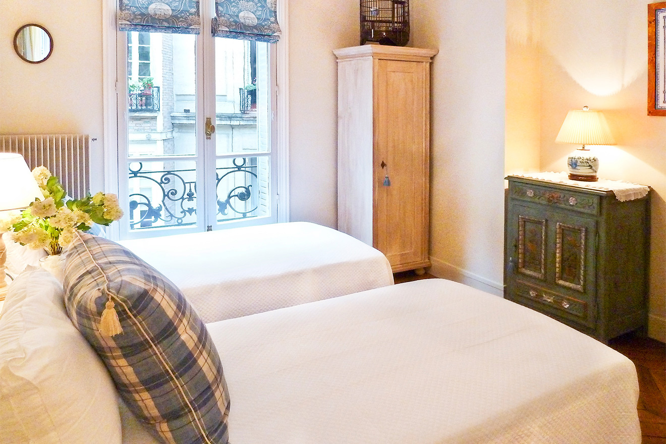 2 Bedroom Paris Apartment