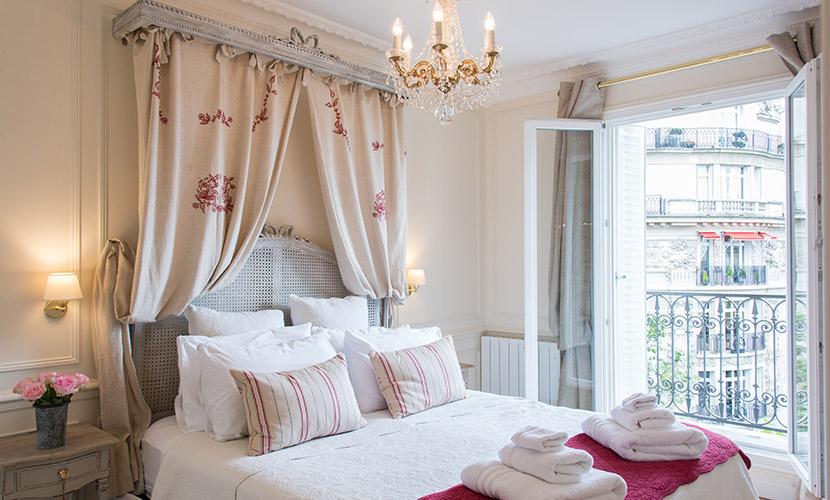 One Bedroom Paris Apartment - Merlot