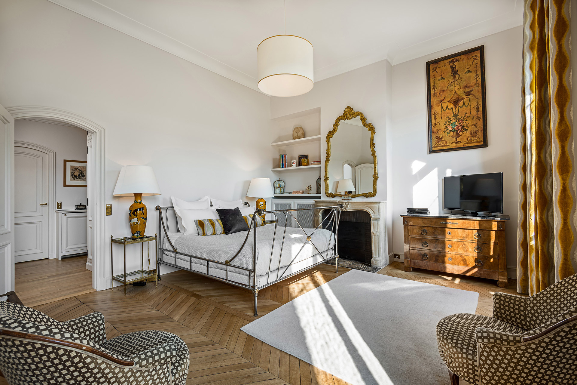 Beautiful high ceilings throughout the Chopine vacation rental offered by Paris Perfect