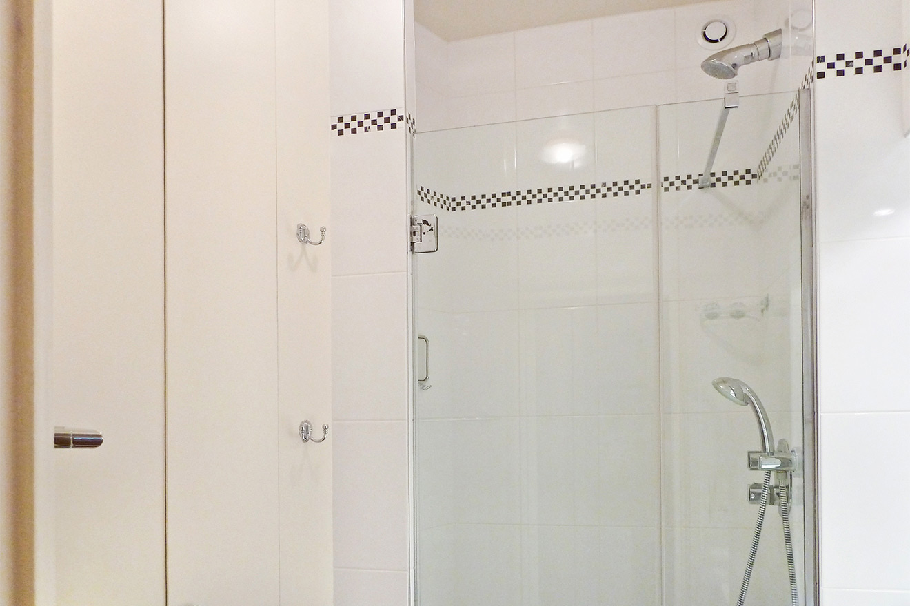 Fixed and Flexible Showerheads