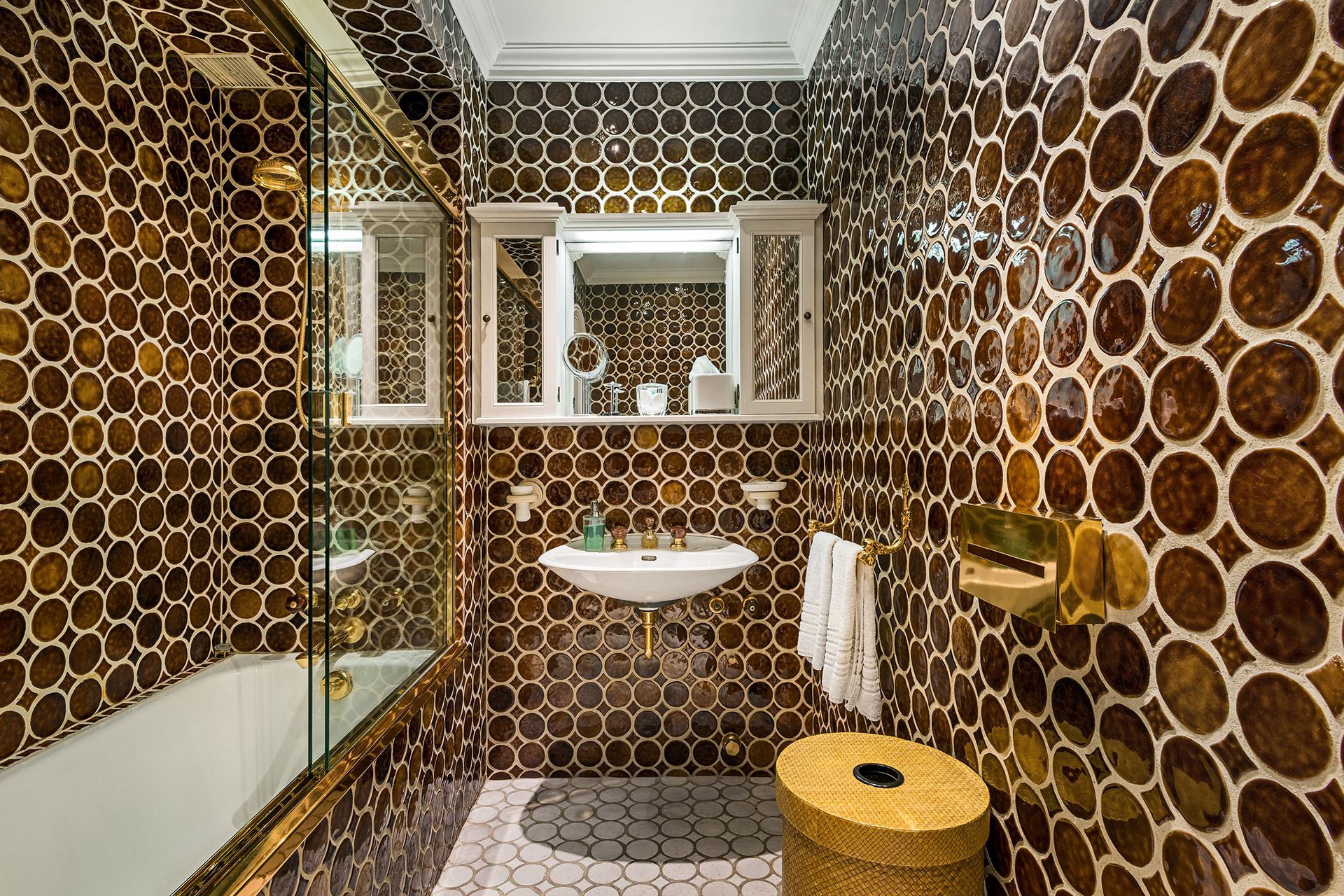 Gorgeous tiling in the bathroom of the Chopine vacation rental offered by Paris Perfect