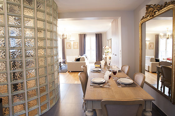 Dining area in the Bordeaux vacation rental by Paris Perfect