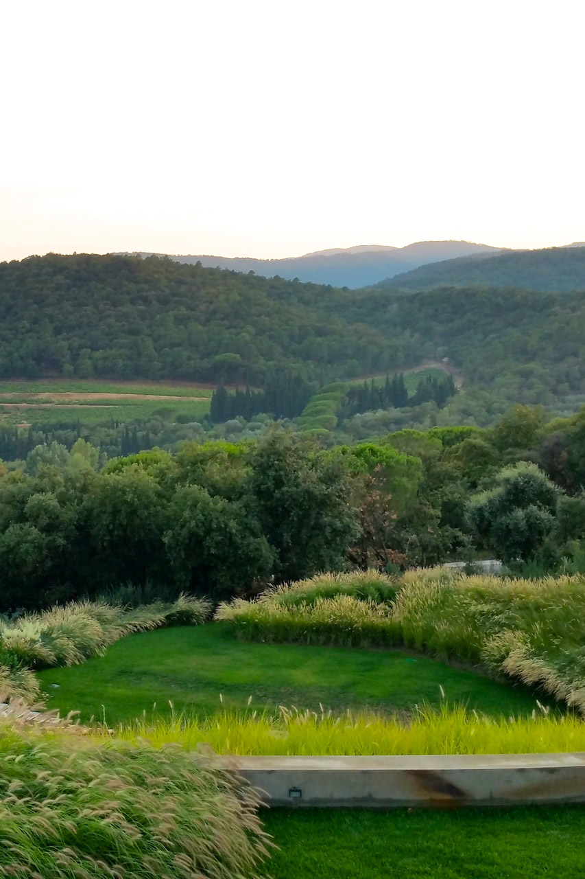 The peaceful scenery of the Villa Grimaud vacation rental offered by Paris Perfect