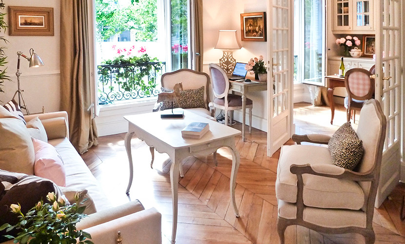 2 bedroom paris apartment rental with eiffel tower view