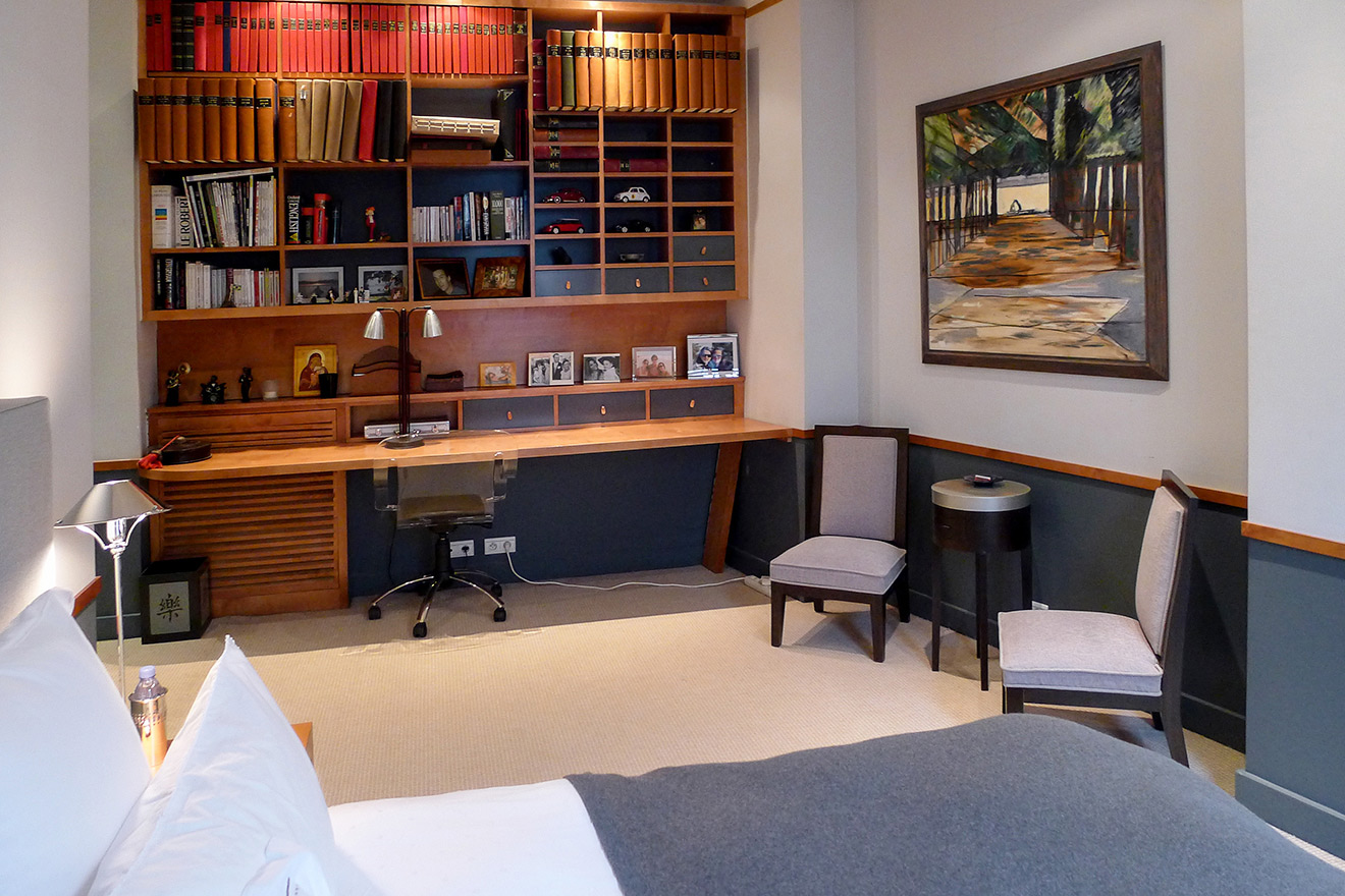 Built-in desk and study area in third bedroom