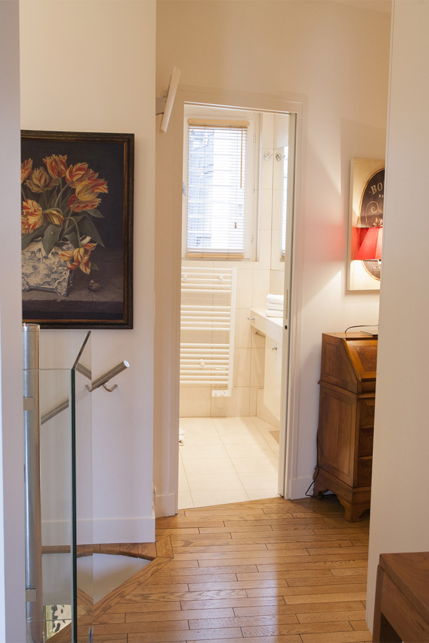 Bathroom located at the top of the stairs in the Bordeaux vacation rental offered by Paris Perfect