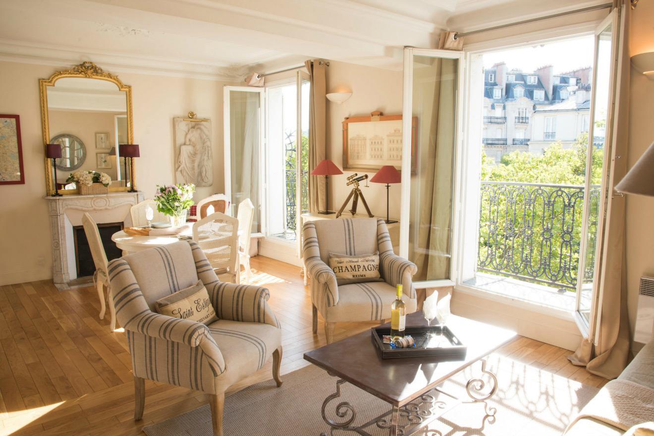 Cabernet Paris Apartment