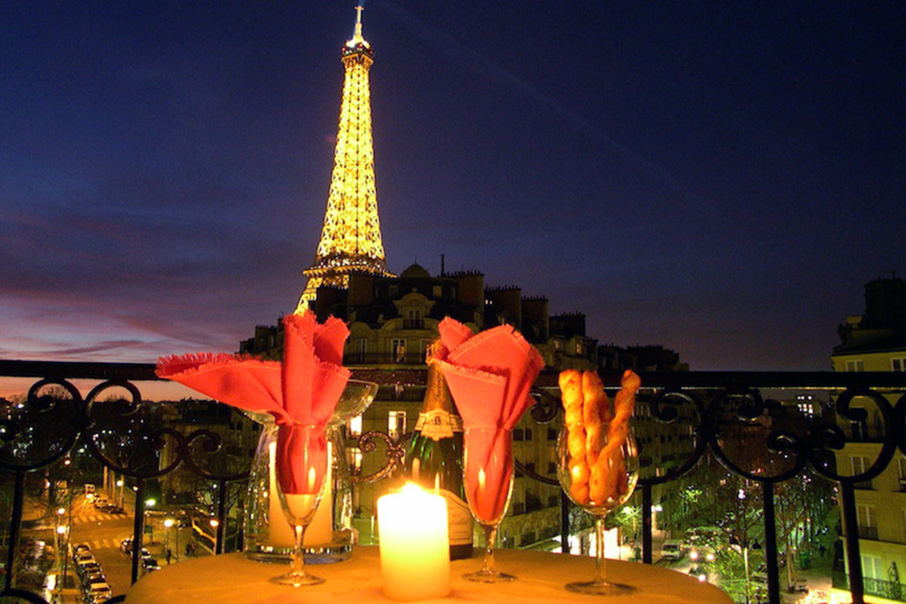 1 bedroom paris romantic hotel alternative near the for Hotel near eiffel tower paris