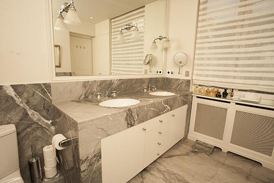 En Suite Bathroom Luxury Paris Rental