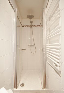 Shower in En Suite Bathroom