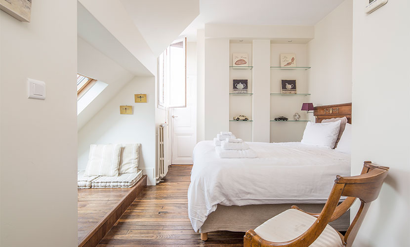 French Provincial Bedroom - Accommodation Paris France