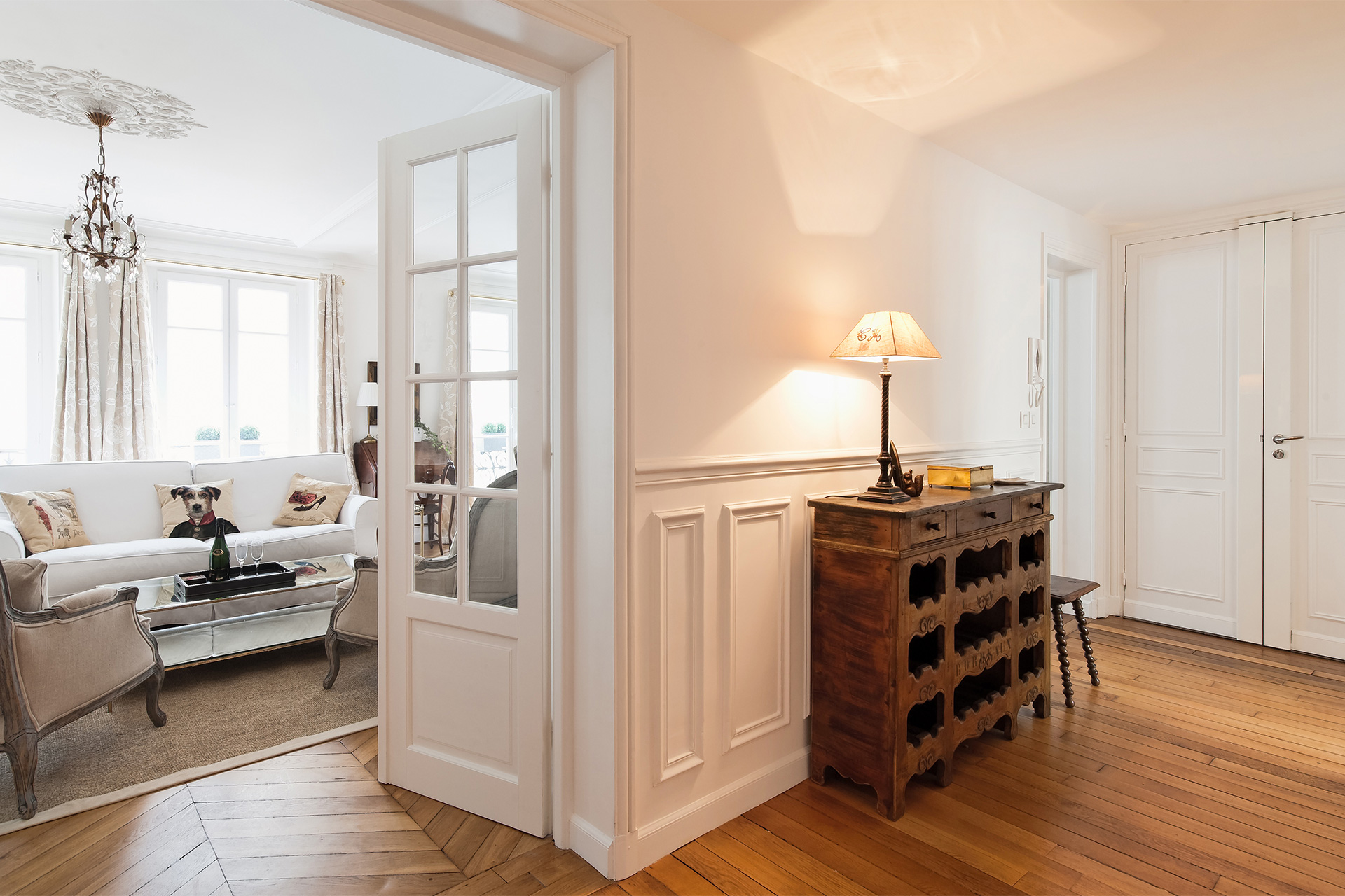 Hallway dresser in the Montagny vacation rental offered by Paris Perfect