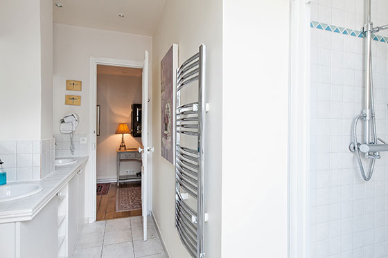 Heated towel rack in the Vougeot vacation rental offered by Paris Perfect